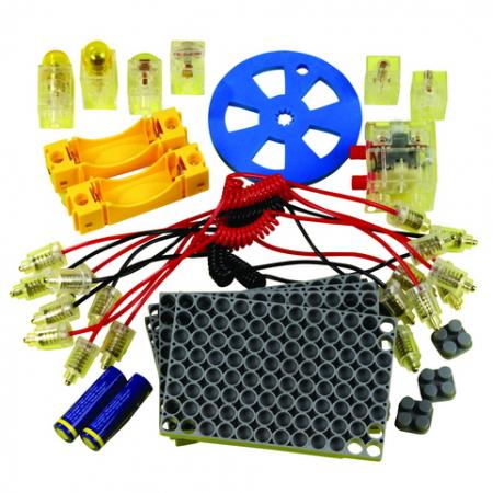 Elektriciteitsset, basis met eenvoudig in te pluggen componenten. Bevat 2 gloeilamphouders, 2 schakelaars, 1 batterij, 10 stekers met bedrading, 2 batterij houders, 4 basisplaten met 5 verbindingsstukken, 1 ventilatortje en 4 vierkante verbindingsconnecto