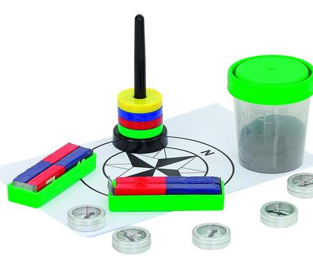 Experimenteerdoos magnetisme. Met 2 hoefijzermagneten, staafmagneten, kompassen, ijzervijlsel, zwevende magneten
